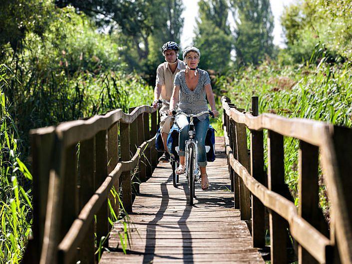 """Fotos Rheinradweg """" Projekt DEMARAGE im Auftrag der EU den Rheinradweg von der Quelle bis zur Mündung. © DEMARAGE """" Photo taken by Fotograf Patrick Gawandtka"""